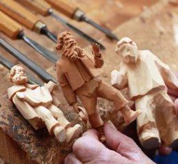 Изготовление сувениров и подарков из дерева