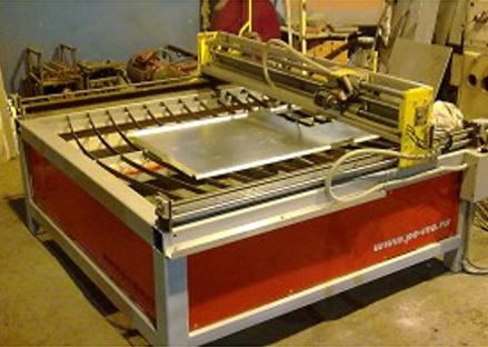 Изготовленный станок с помощью которого осуществляется резка по металу.