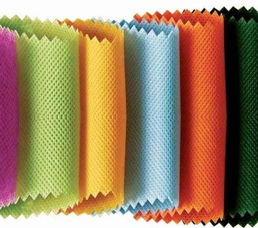 Несколько цветовых решений ламинированных спанбондов.