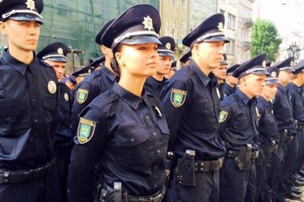 Сколько зарабатывает рядовой полицейский в месяц?
