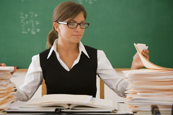 На какую среднюю зарплату может рассчитывать учитель в России.