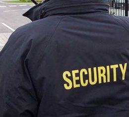 Какая зарплата у охранника: сколько получают вахтовики, телохранители и женщины?