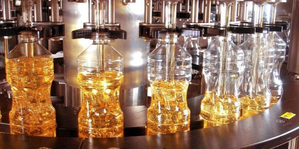Автоматизированный разлив масла в бутылки