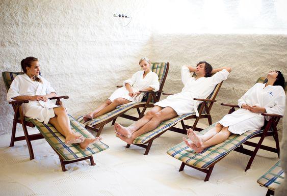 Какую мебель необходимо приобрести для организации бизнеса на соляной комнате.