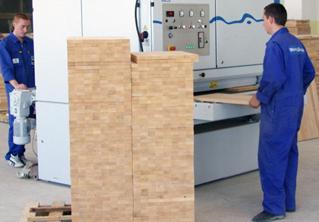 Использование необходимого оборудования для производства мебельных щитов.