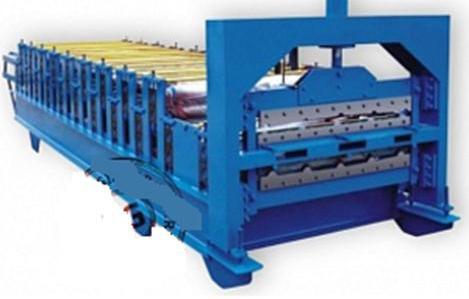 Установочная линия для производства профнастила на заводе.