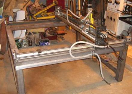Внешний вид станка в процессе изготовления для плазменной резки по металу.