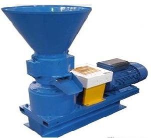 Пресс-грануляторы шнекового типа в процессе работы.