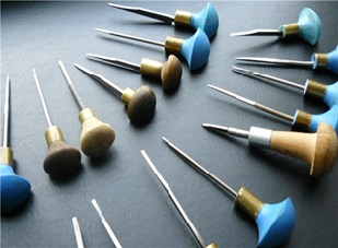 Инструменты для ручной гравировки на металле.