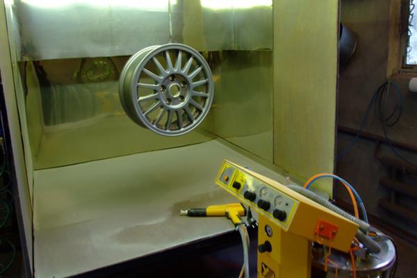 Технология окрашивания металлических изделий полимерным порошком.