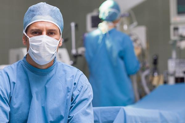 Средняя зарплата хирургов.