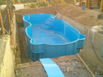 установка полипропиленового бассейна