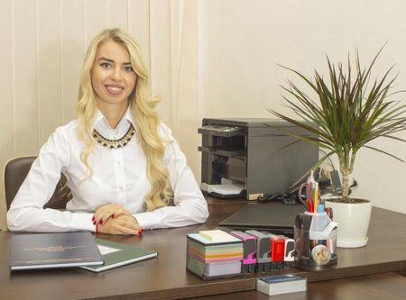 секретарь нотариуса