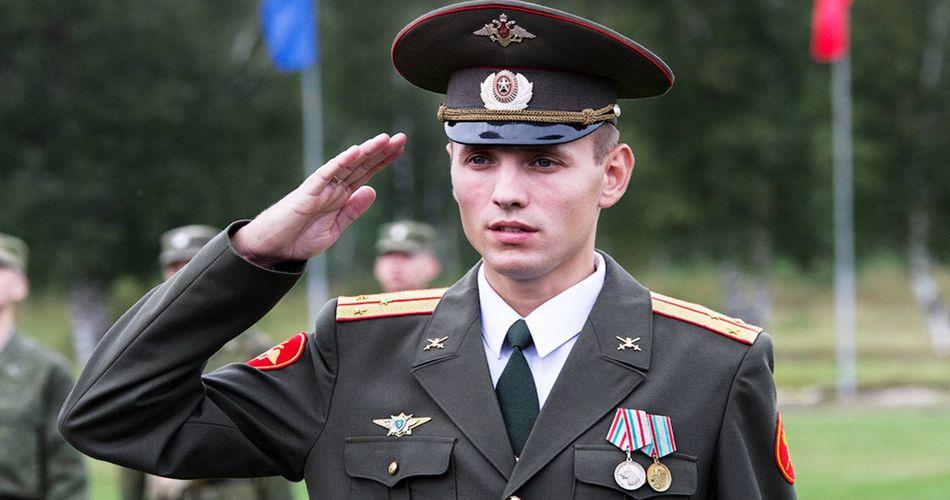 Какая средняя зарплата лейтенанта в полиции, армии, ФСБ, МЧС в России в 2019 году?